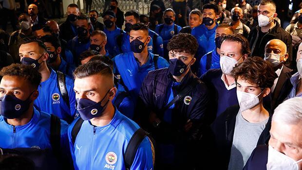 Fenerbahçeli taraftarlardan sarı-lacivertli takıma destek