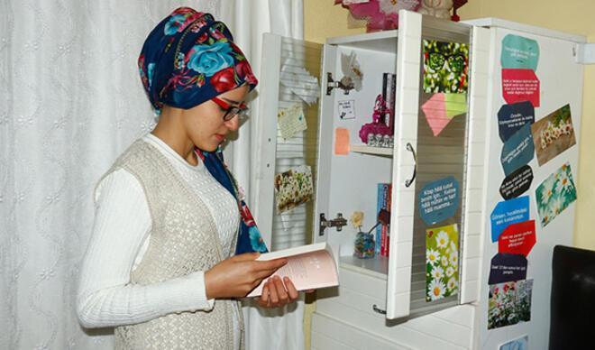 Üniversite öğrencisi, kanseri kitap yazarak yendi