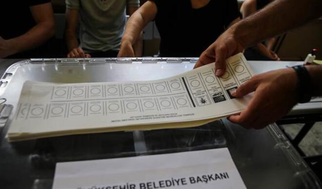 Son dakika! İstanbul'da oy verme işlemi başladı
