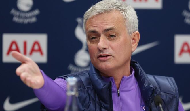 Yine yaptı yapacağını! Mourinho...