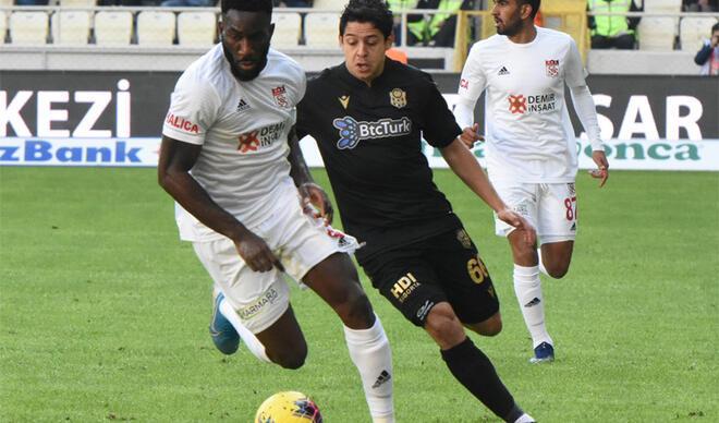Yeni Malatyaspor - Sivasspor maçı sosyal medyayı salladı: 'Premier Lig bak işine'