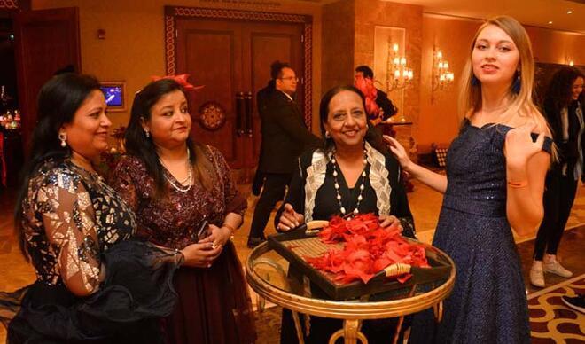 Hintli çift Antalya'ya geldi! Milyon dolarlık 25'inci evlilik yıl dönümü kutlaması yaptı
