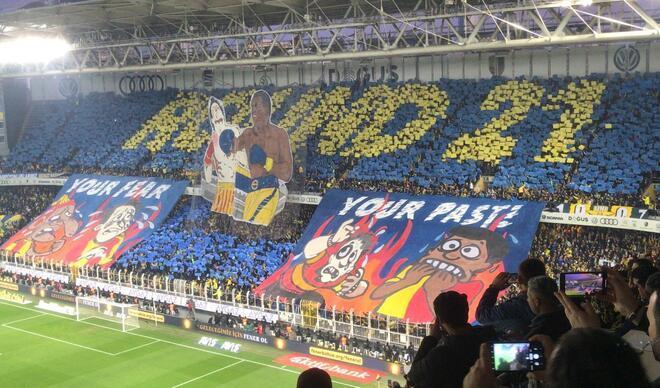 Fenerbahçe - Galatasaray derbisinde dikkat çeken koreografi