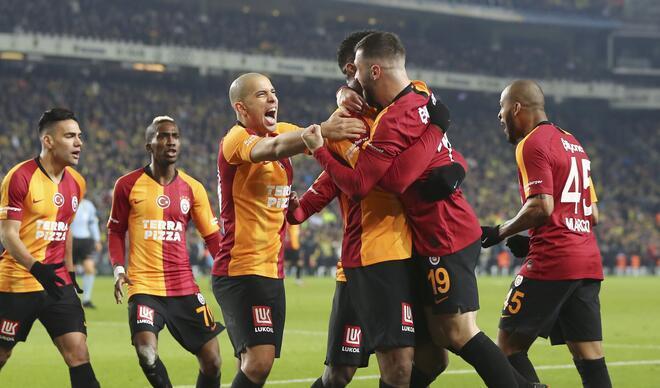Fenerbahçe-Galatasaray maçından en özel kareler!
