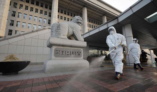 """Merkez bankaları politikalarına """"koronavirüs"""" ayarı"""