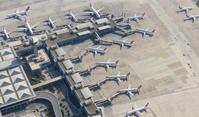 Dikkat çeken fotoğraflar... Atatürk Havalimanı uçaklarla doldu!