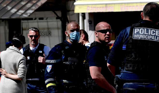 Fransa'da kanlı saldırı! Ölü ve yaralılar var