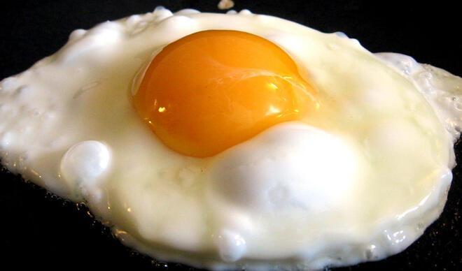 Sahurda proteinden zengin yiyecekler tüketin! Gün boyu tok kalmak için…