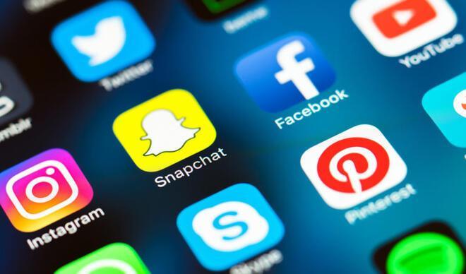 Devlet, vatandaşın sosyal medya faaliyetlerini denetlemeli mi?