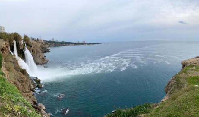 Antalya'da korkutan görüntü! Zehirli köpükler denize karıştı