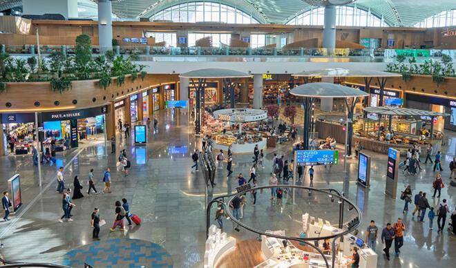 İstanbul'daki AVM ve dükkanların kapanma saati belirlendi