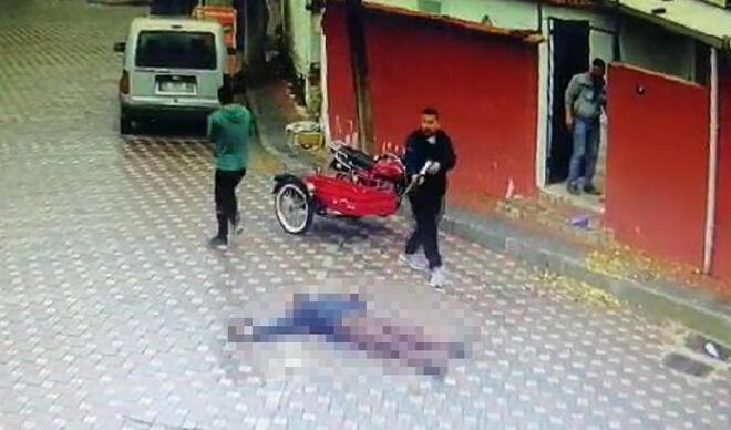 Sokak ortasında korkunç cinayet! Dehşet saniye saniye kamerada