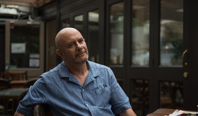 Nick Hornby: Sanatçıların işinin bir parçası da bizlere yaşamak için bir sebep vermek