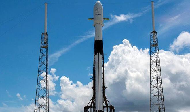 'Yıldız Savaşları Günü'nde 60 Starlink uydusu uzaya fırlatıldı