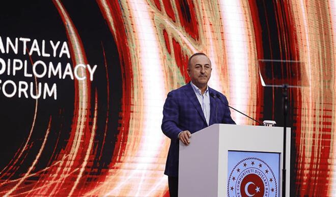 Bakan Çavuşoğlu'ndan Yunanistan açıklaması