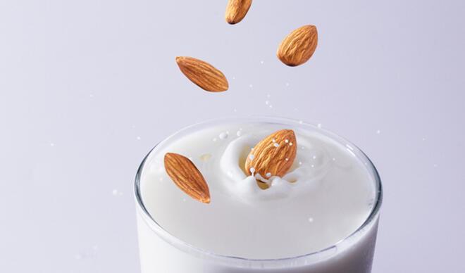 Badem sütü faydaları neler, nasıl yapılır? Badem sütü kalorisi ve besin değeri