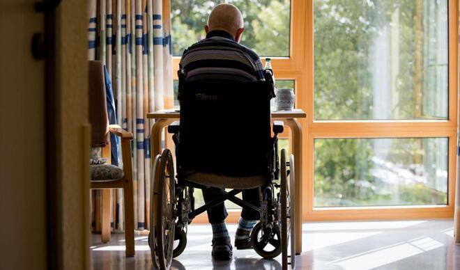 Yabancı yaşlı bakıcılara da asgari ücret