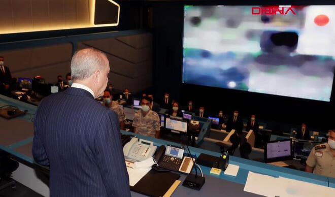 Erdoğan, Kriz Merkezi'nde yangınlar hakkında bilgi aldı