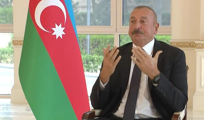 Gözleri doldu, konuşmakta zorlandı... Aliyev'in zor anları!