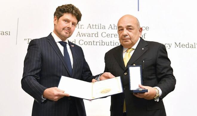 Ahmet Yüce'ye Çekya'dan madalya