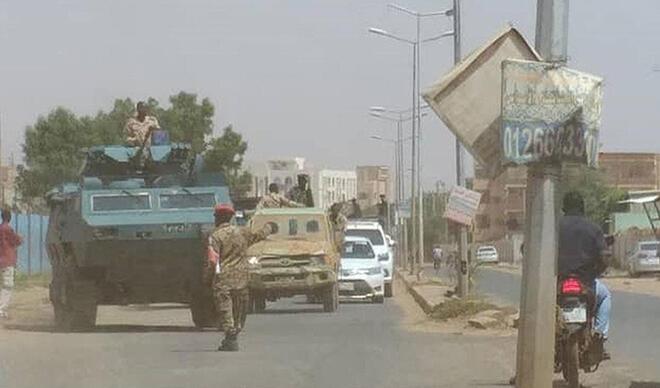 Sudan'da darbe girişimi... Başbakan gözaltında!