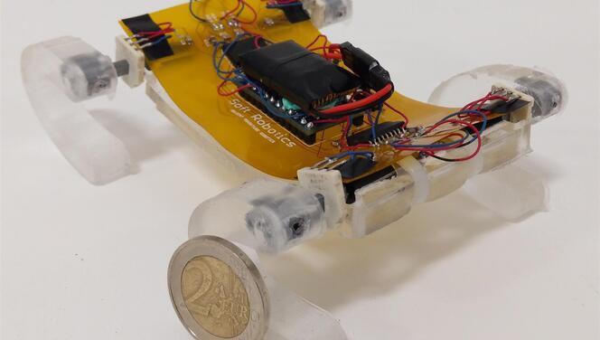 Göçük altına ulaşabilen yumuşak robot