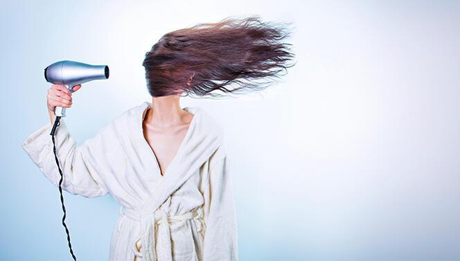 Saçlarınıza dolgunluk katacak 5 pratik öneri