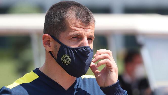 Fenerbahçe logolu maskeleri satışa çıkardı!