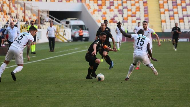 Yeni Malatyaspor - Gençlerbirliği maçından kareler