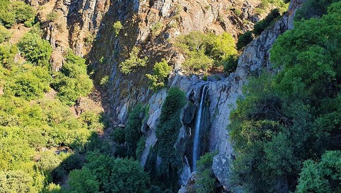Manisa'da bir doğa harikası: Türkmen Şelalesi