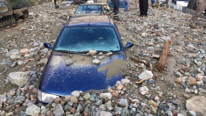 Artvin'de sel; 1 kişi öldü, 3 kişi kayıp