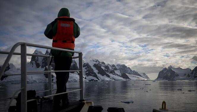 'Gezegenin Kara Kutusu: Antarktika' belgeseli ekranlara geliyor