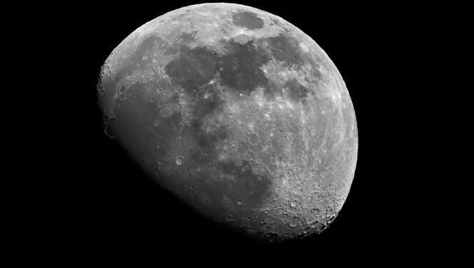Dünya'nın gözü NASA'da: Ay'la ilgili sürpriz keşif duyurulacak