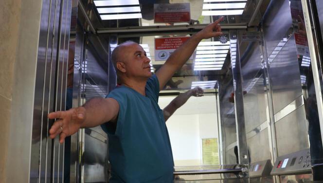 Hatay'da sağlık çalışanından 5 saniyede dezenfekte eden sistem