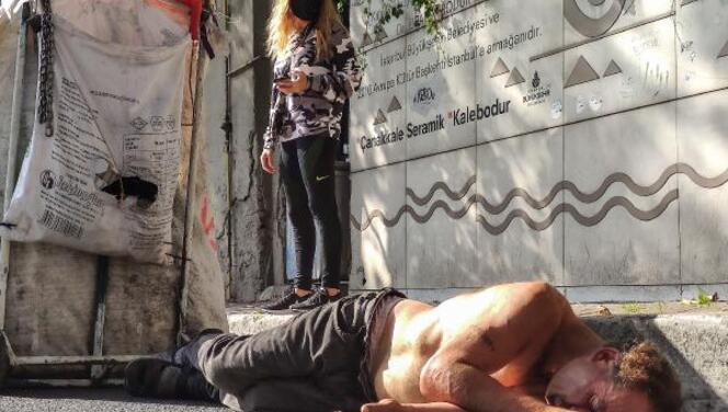 Beşiktaş'ta bayılan kağıt toplayıcısı ayılınca sağlıkçılara saldırdı