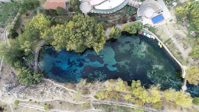 'Bozkırın nazar boncuğu' Gökpınar Gölü'nde sonbahar güzelliği