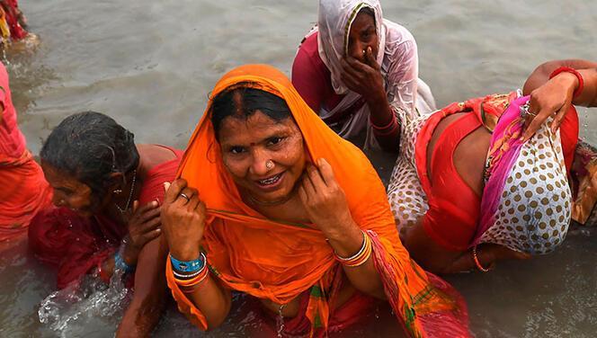 Hindistan'dan şoke eden görüntüler!