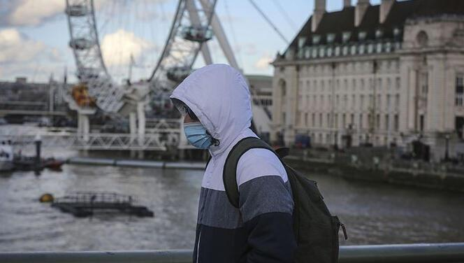 İngiltere'de koronavirüs nedeniyle son 24 saatte 290 kişi hayatını kaybetti
