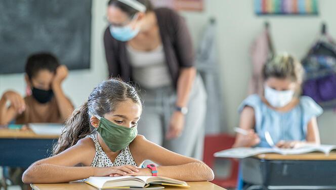 New York Times'dan çarpıcı araştırma! Okullar açılacak ama hangi senaryo güvenli?