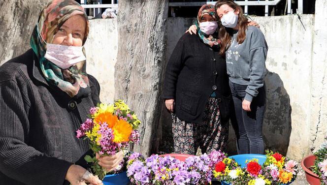Müthiş hikaye! Mezarlıkta çiçek satarak kızını Oxford'da okutuyor…
