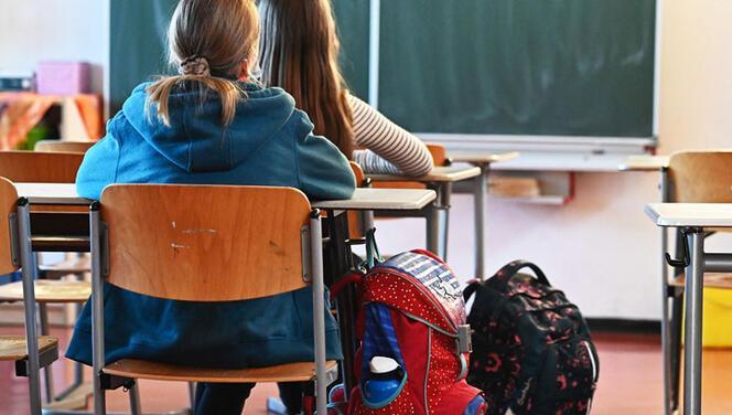 İki eyaletten eğitimde farklı karar