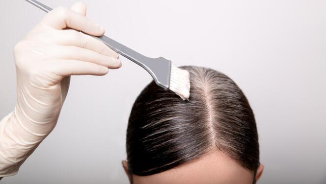 Saç boyamak orucu bozar mı? Diyanet'ten açıklama