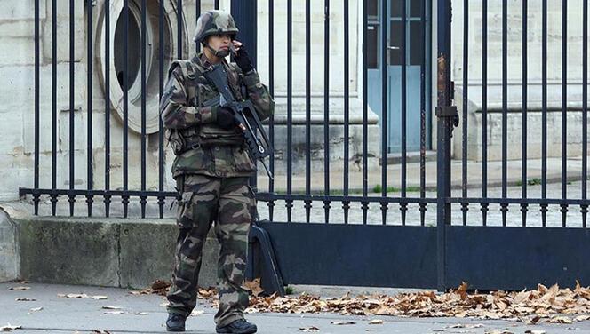 Fransa'da askerlerden, ikinci 'iç savaş' uyarısı