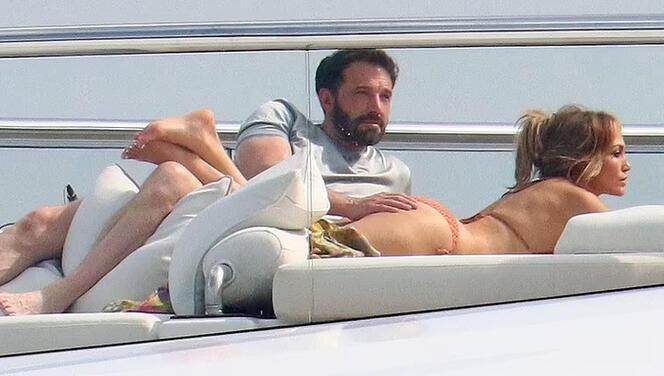 Jennifer Lopez ve Ben Affleck 17 yılın acısını çıkarıyor: Yeni yaşı şerefine