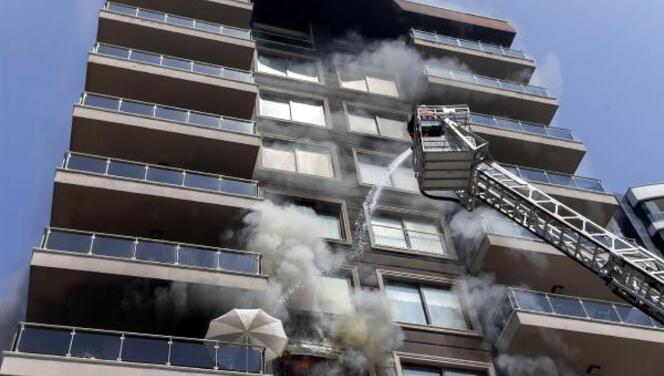 Mersin'de korkutan yangın! Ekipler müdahale etti