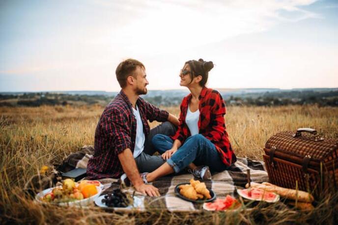 Tabu Olarak Bilinen Bu Davranışlar Aslında İlişkiyi Güçlendiriyor