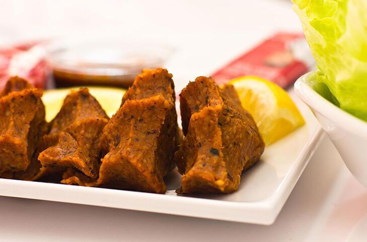 En favori sokak lezzetlerinden: Etsiz çiğ köfte
