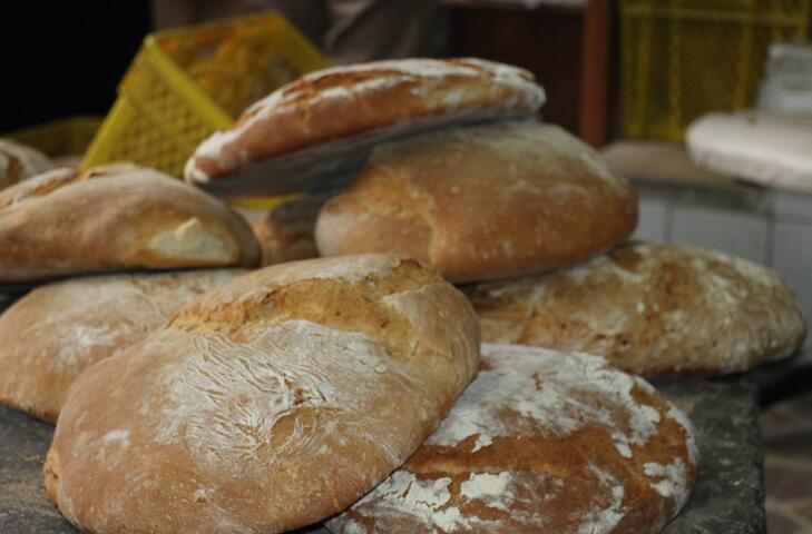 Burada pişen ekmeğin tadına doyum olmuyor! İsteyen kendi de hazırlayabiliyor
