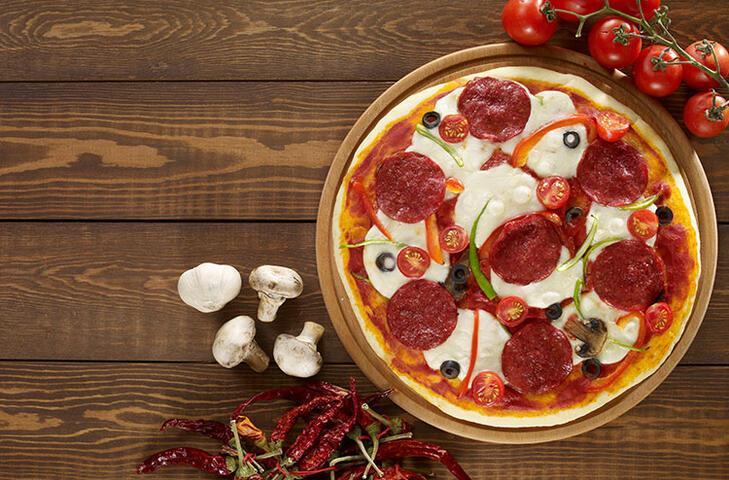 Sucuklu sahur pizzası tarifi
