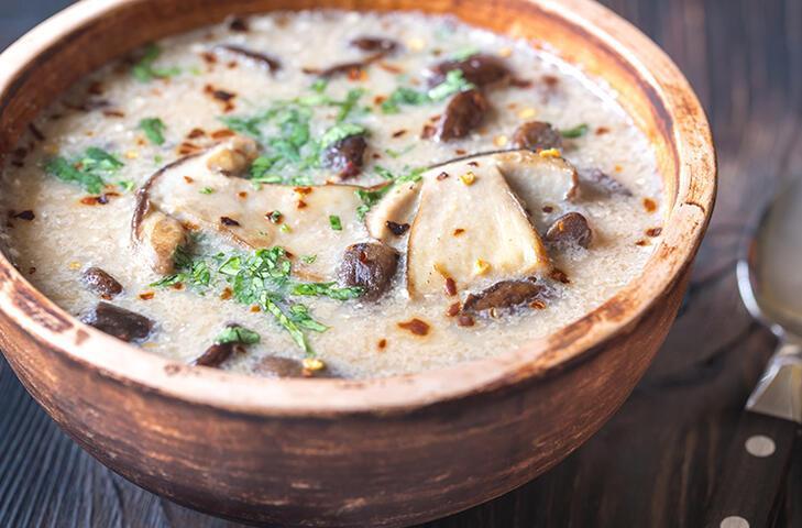 Kremalı mantar çorbası nasıl yapılır? Pratik kremalı mantar çorbası tarifi